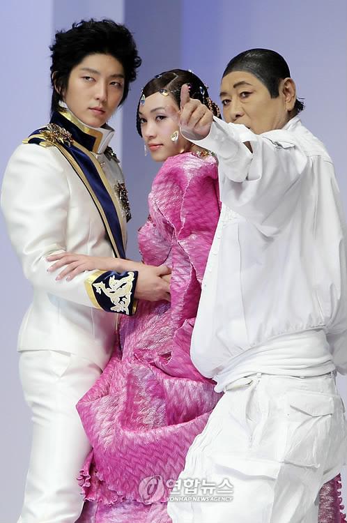 2010aug76