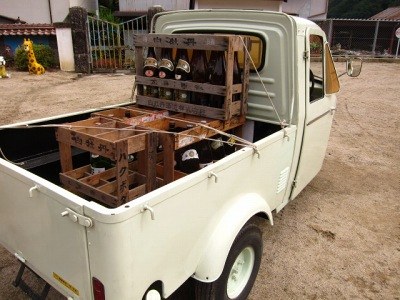20100613_酒屋の三輪車2