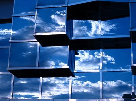 20100816_ビルに映る空