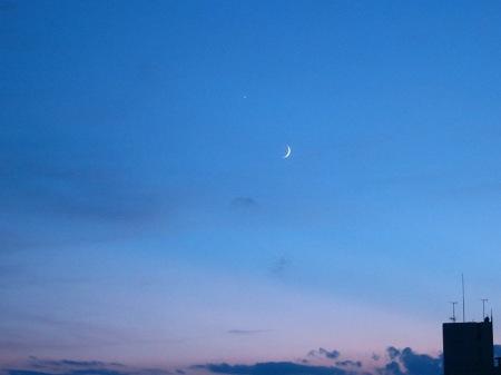 20100911_三日月と金星