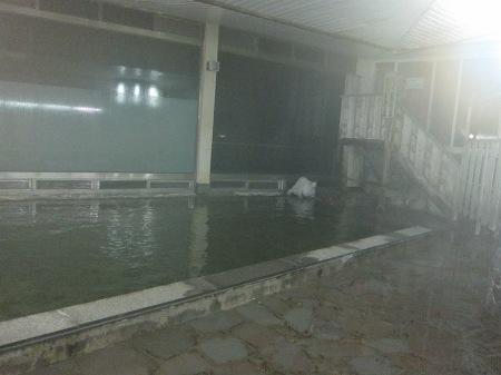 20101003_温泉3(小浴場・海面近い)