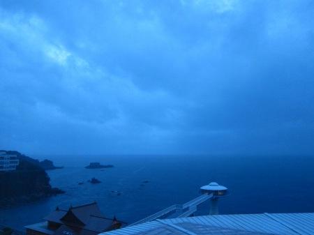 20101003_暗い太平洋(青)