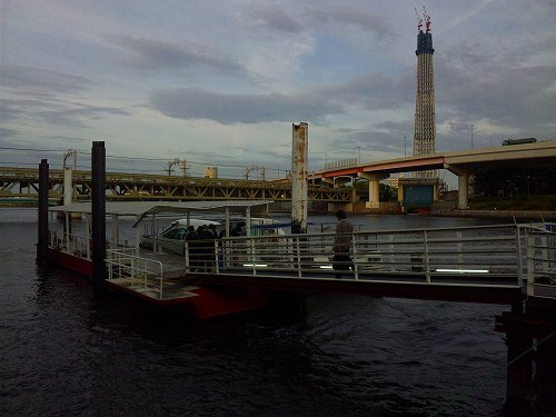 100518_スカイツリー・船 (1)