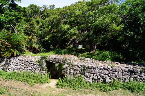 250831 世之主の墓3