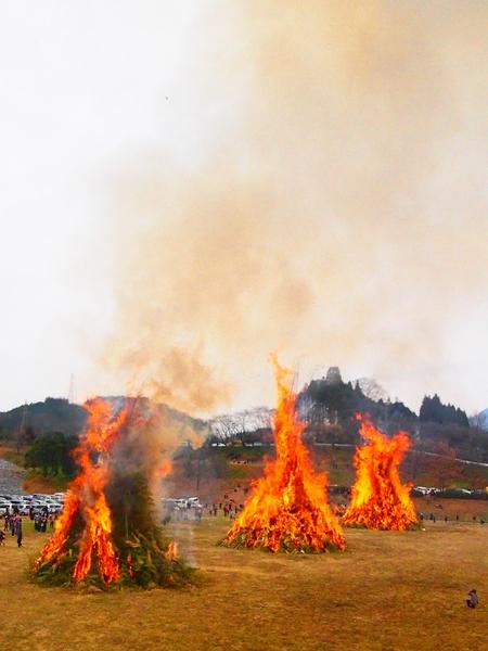260112 緑川湖どんど祭り21