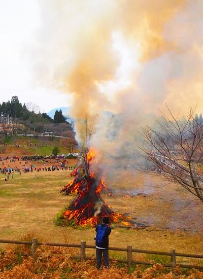 260112 緑川湖どんど祭り23