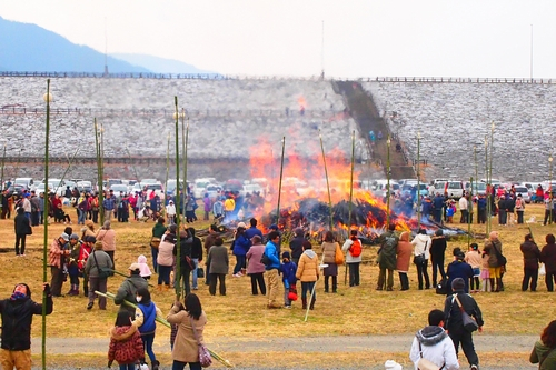 260112 緑川湖どんど祭り35