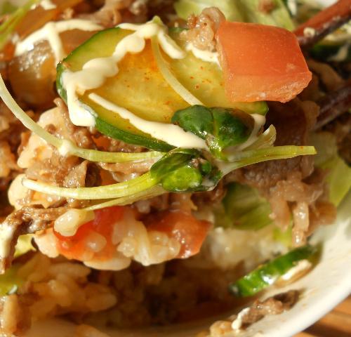 国嵩特製サラダ牛丼13