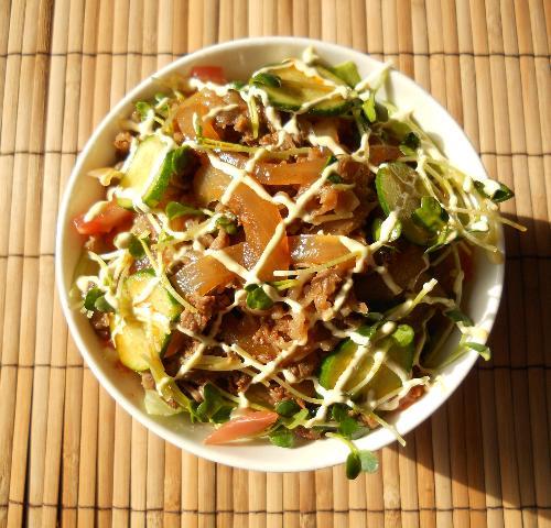 国嵩特製サラダ牛丼11