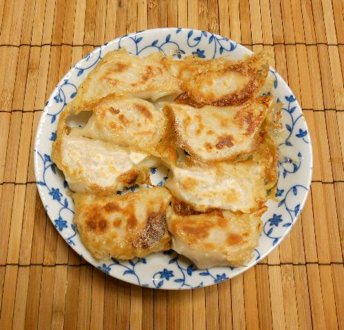 マグロとブリのコラーゲン入り餃子16