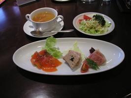 ランチBのオードブル、スープ、サラダ