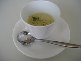 冷製のジャガイモのスープ