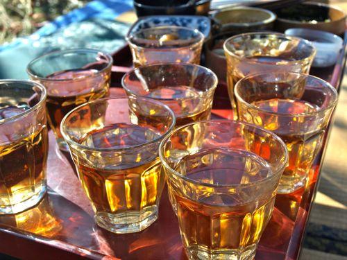 11お茶が金色