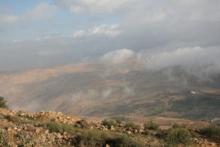 ヨルダン ネボ霧