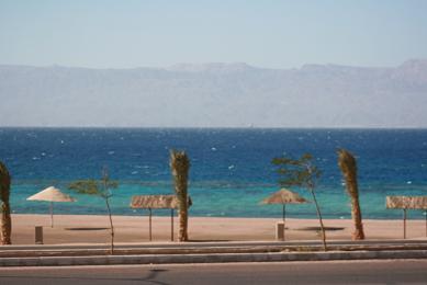 ヨルダン 紅海