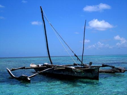 ザンジバル ビーチ 船