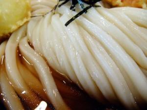 きぬ 麺 .