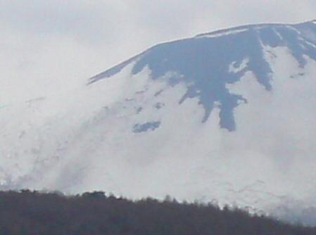 岩手山の顔アップ01(2011.5.3)