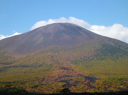 岩手山焼走り熔岩流の紅葉02(2011.10.11)