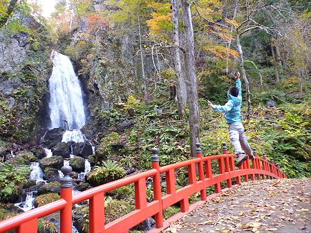 不動の滝01(2011.10.18)ジャンプ