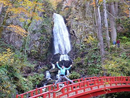 不動の滝12(2011.10.18) ジャンプ