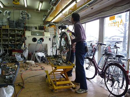 自転車修理01(2011.4.12)