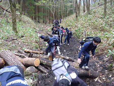 教育旅行姫神登山08(2011.5.13)