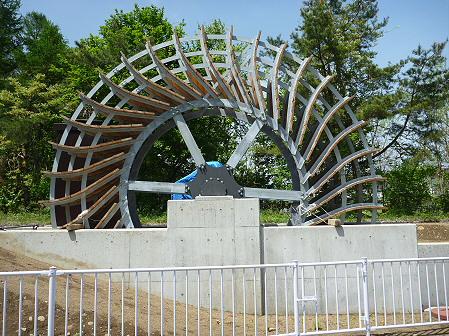 明治百年記念公園01(2011.5.31)小水力発電