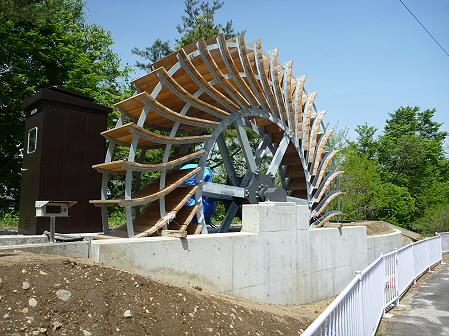 明治百年記念公園04(2011.5.31)小水力発電