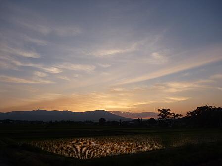 空と雲と田と16(2011.6.16)