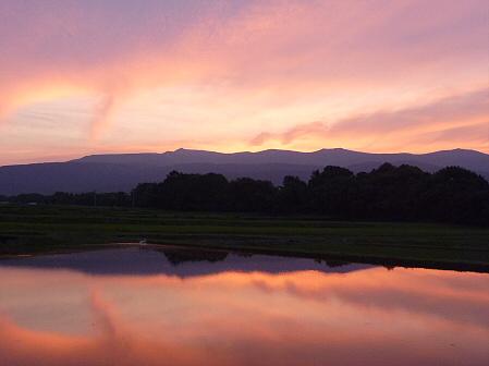 空と雲と田と22(2011.6.20)