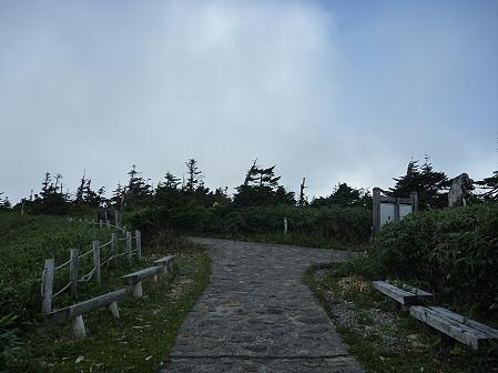 八幡平山頂付近再び38(2011.9.24)