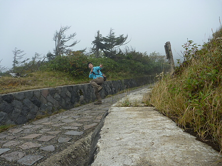 八幡平山頂付近再び40(2011.9.24)