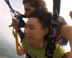 Hilarious Parachute Jump