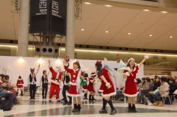 デザインフェスタ32_あわてんぼうのサンタ「みんな、またクリスマスにね!」