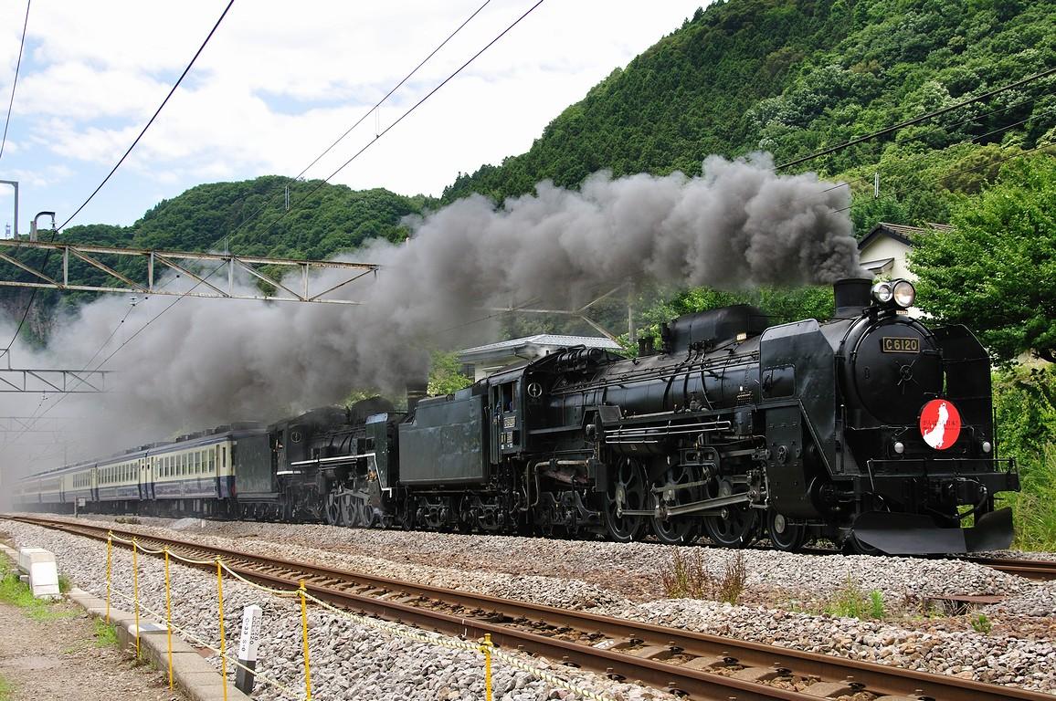 2011.06.29 1121_54(1) 津久田~岩本 C61 20+C57 180+12系(ばんえつ物語)