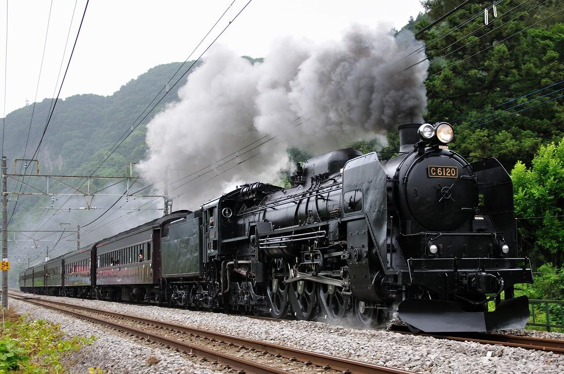 2011.06.18 1131_48(3) 津久田~岩本 9735レ 「SL C61復活号」0.6