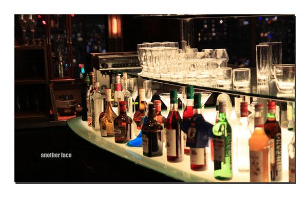 0613-Bar.jpg