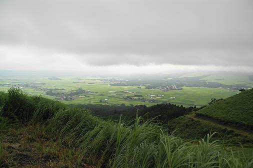厚い雲により阿蘇山は見えず・・・・