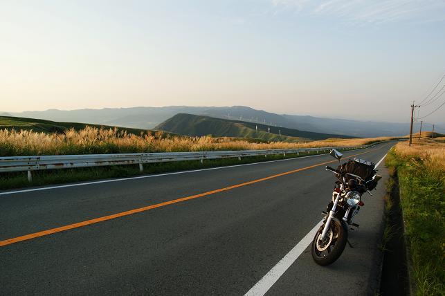 県道339 ミルクロードの朝日とVTR