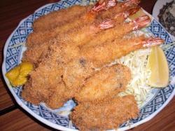 魚三のエビフライと牡蠣フライ