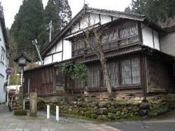 諏訪町の古家
