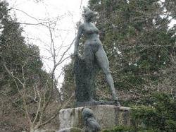 公園にちょっとすてきな像