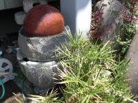 くるくる回る石は玄関にありました
