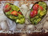 トマトとアボガドのバジルサラダ