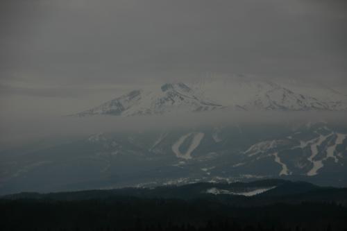 朝の岩木山