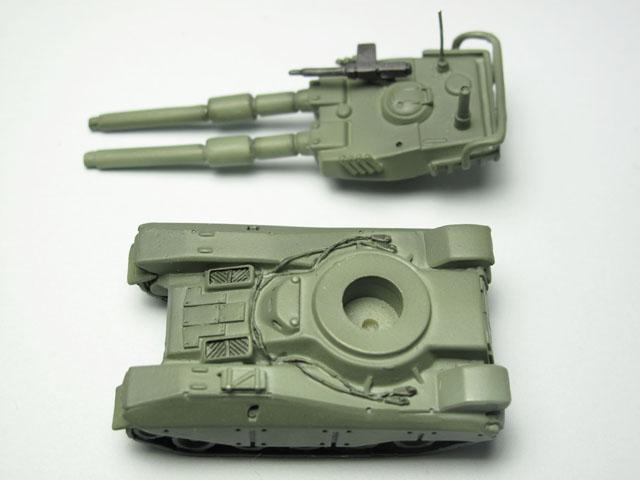 地球連邦軍61式戦車 B-CLUB 1/144(完成品)