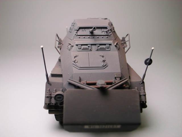 ドイツ軍8輪重装甲車 Sdkfz232【1/35】