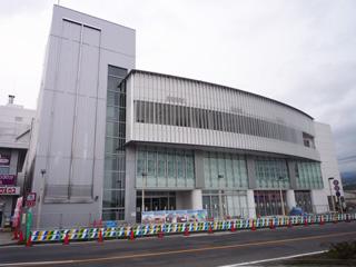 韮崎市民交流センター
