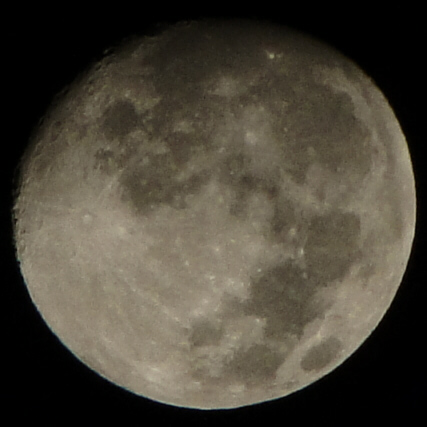 moon3a.jpg